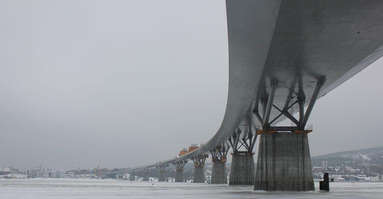 trafikverket_sundsvallsbron_sista_brolyftet_140204